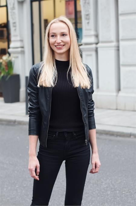 18 Sarah Lütjen