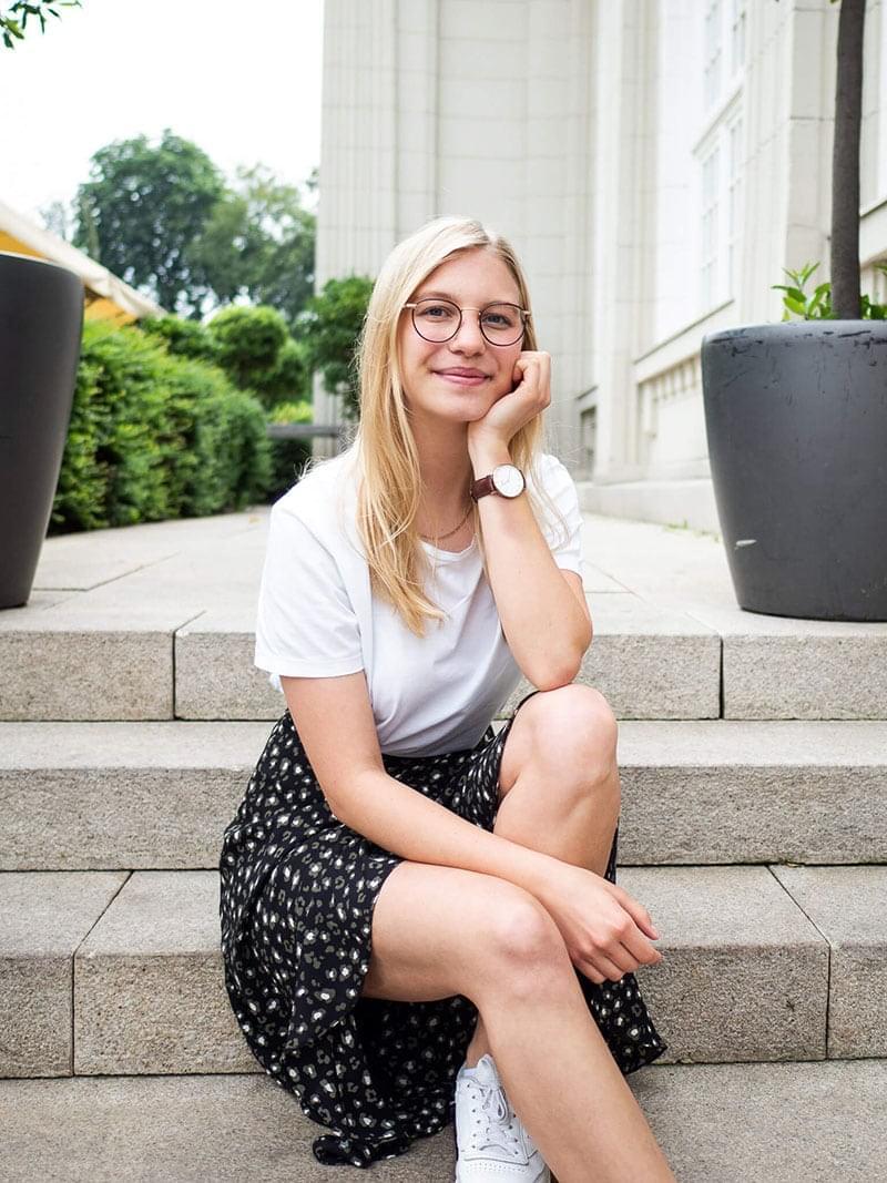 45 Anna Hausmann